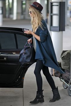 Leggings with boots: total Italian style