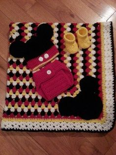 Crochet Mickey Mouse Set For when the day comes Mickey Mouse Blanket, Crochet Mickey Mouse, Crochet Disney, Mickey Minnie Mouse, C2c Crochet, Crochet Bebe, Baby Blanket Crochet, Baby Afghans, Baby Blankets