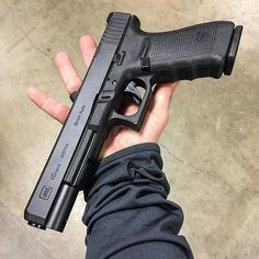 Glock 40 Having sore fingers from reloading your magazines? RAE Speedloader is your hero! For AUTHENTIC AMERICAN MADE magazine loaders, visit http://www.amazon.com/shops/raeind