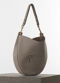 Céline Spring 2017 Medium Hobo With Zip Handbag In Light Taupe Crisped Calfskin Handbags