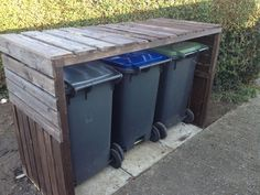 Pallet Wheelie Bin Shelter is part of Pallet garden Storage - Here in Canterbury we have three wheelie bins One for refuse, one for recycling, and one for green garden waste, which is all very Garbage Can Storage, Storage Bins, Bin Storage Ideas Wheelie, Garbage Recycling, Storage Area, Recycling Bins, Woodworking Projects Diy, Pallet Projects, Diy Projects