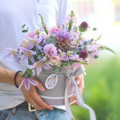 Nu este disponibilă nicio descriere pentru fotografie. Flower Boxes, Flowers, Allium, Clematis, Botany, Lilac, Floral Wreath, Bouquet, Wreaths