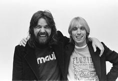 Bob and Tom. (Bob Seger and Tom Petty) I Love Music, Sound Of Music, Music Is Life, Music Music, Travelling Wilburys, Classic Rock And Roll, Toms Shoes Outlet, Disney Toms, Bob Seger