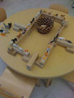 "Animals & table-top blocks at The Bing Institute at Bing Nursery School, Stanford University )"",)"