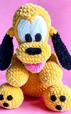 Baby pluto dog amigurumi free crochet pattern - Lovelycraft Crochet Animal Amigurumi, Crochet Teddy, Crochet Bear, Cute Crochet, Crochet For Kids, Crochet Disney, Crochet Mickey Mouse, Disney Crochet Patterns, Animal Knitting Patterns