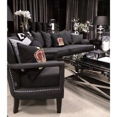 @tmdesignfurniture Formal Living Rooms, My Living Room, Living Room Chairs, Living Room Decor, Living Spaces, Black Rooms, Home Trends, Luxury Home Decor, Luxury Living