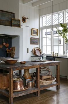 Best image for kitchen style Georgian for your taste You are looking for .Best picture for a Georgian kitchen style for your taste You are looking for something and it will tell you exactly what Interior Design Minimalist, Interior Desing, Interior Modern, Interior Design Kitchen, Kitchen Decor, Country Interior Design, Interior Ideas, Antique Interior, Interior Paint
