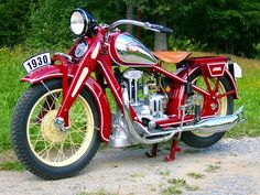 1929 Jawa Rumpál, the first production Jawa motorcycle American Motorcycles, Cool Motorcycles, Vintage Motorcycles, Indian Motorcycles, Triumph Motorcycles, Vintage Cycles, Vintage Bikes, Vintage Cars, Motos Retro