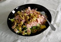 13+1 laktató saláta kevesebb mint 300 kalóriából | NOSALTY Hawaiian Pizza, Feta, Potato Salad, Food Processor Recipes, Mint, Ethnic Recipes, Health, Salud, Health Care