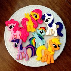 Make My Little Pony Friendship is Magic Cookies! It's Twilight Sparkle, available in the original Unicorn form, and in her newer Princess Alicorn form!