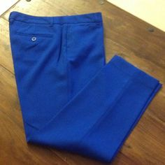 New Gap cropped pants No tag, but never worn. 67% polyester, 31% viscose, 2% spandex. Waist 34 inches Pants Straight Leg