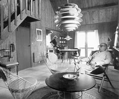 Poul Henningsen in his living room, © Louis Poulsen