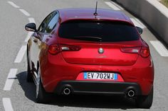 Alfa Romeo  Giulietta Quadrifoglio Verde 2014   photo HD