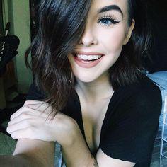 ((FC: Acacia Brinley)) Hi I'm Ashton. I am about 17 in Midgardian terms. Kiss Makeup, Love Makeup, Beauty Makeup, Makeup Looks, Hair Beauty, Teen Makeup, Acacia Brinley, Foto Top, All Things Beauty