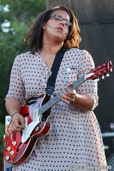 Alabama Shakes... I love her!  This girl can sannnng!