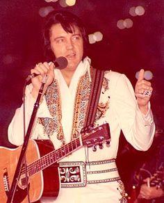 1976 November 28  8:30 pm Elvis Presley in San Francisco, CA
