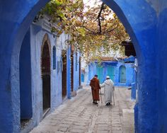 Exploring the blue buildings and old medina in one of Morocco's most beautiful towns. Chefchaouen in photos.s