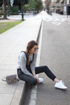 16.bartabac, bartabacmode, fashion, blogger, blog, moda, blog de moda, grey, overall, overalls, dungaree, peto, adidas, proenza schouler,jpg