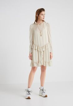 See by Chloé Day dress - sand - Zalando.co.uk 9a2e232807d