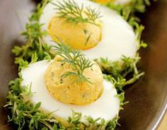 Jajka z rzeżuchą Easter Recipes, Appetizer Recipes, Tapas, Good Food, Yummy Food, Cooking Recipes, Healthy Recipes, Snacks Für Party, Appetisers