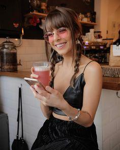 """35.6k Likes, 116 Comments - Giovanna Ferrarezi (@giovannaferrarezi) on Instagram: """"Muita gente elogia meu sorriso agora e vcs não imaginam como isso me faz feliz ❤️ Eu tinha puta…"""""""