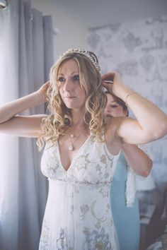 Real bride Jo in her Claire Pettibone 'Luna' wedding dress & her grandmother's vintage tiara & veil! | Photo: Naomi Jane Photography feat. on Love My Dress