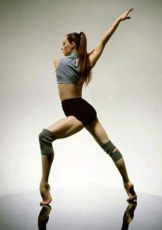 Sylvie Guillem - the strength of a woman !