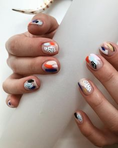 Not-So-Boring Nail Art Is Perfect For Fall From pastel nudes to mismatched manicures, these are the nail trends everyone wants to try.From pastel nudes to mismatched manicures, these are the nail trends everyone wants to try. Minimalist Nails, November Nails, Negative Space Nails, Looks Halloween, Halloween Nails, Halloween Makeup, Nagellack Design, Colorful Nail, Pastel Nail Art