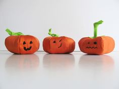 Halloween at DaWanda Nothing says Halloween like some adorable spooky pumpkins. This cute trio makes a perfect Halloween decoration: they can be displayed on a shelf (right next to the treats), or even hung on a tree,. Scary Halloween, Halloween Pumpkins, Halloween Decorations, Spooky Pumpkin, Pumpkin Carving, Mini Pumpkins, Have Some Fun, Handmade Decorations, Plushies