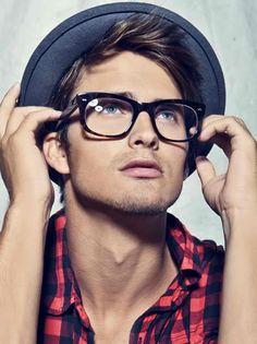 40 Cool Men's Looks Wearing Glasses Stylish Men, Men Casual, Wearing Glasses, Mens Glasses, Hipster Glasses, Fake Glasses, Glasses Style, Streetwear, Men's Grooming