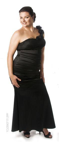 Un vestido largo para resaltar toda la belleza en ti.