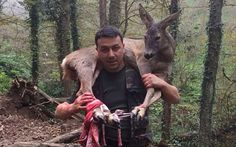 When this hunter found a wounded roe deer in the woods, he knew that he had to do something to help her.