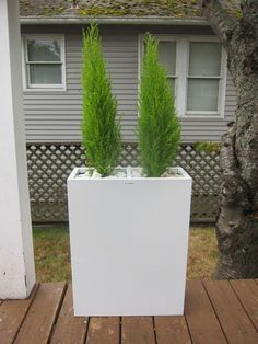 Genius! Love it! So simple and I would have never thought of it. http://www.matthewparkerevents.com/blog/2010/9/6/file-cabinet-planter-box.html
