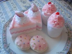 Strawberry Cake Felt Dessert Set