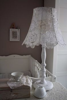 DIY Lamp Shade Decoration Ideas for Display at Home Lampe Crochet, Diy 2018, Doily Lamp, Lace Lampshade, Creation Deco, Linens And Lace, Lamp Shades, Home Interior, Decorating Your Home