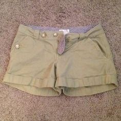 Pants - Khaki short shorts