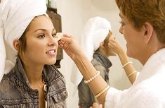 How to Become A Hollywood Makeup Artist. If you really want to work in Hollywood you need to look further than just acting jobs. If you become a #Hollywood MUA you might find more opportunities will open up for you.