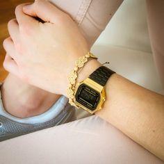 Vintage Gold Watch, Vintage Black, Retro Vintage, Best Watches For Men, Cool Watches, Casio Gold Watch, Casio G Shock, Black Gold, Bracelets