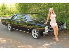 Car Photos Pontiac : GTO Check out those headlights! :)Pontiac : GTO Check out those headlights! Pontiac Gto, Pontiac Firebird, Sexy Autos, 1957 Chevrolet, Hot Rides, Sweet Cars, American Muscle Cars, Fiat 500, Car Girls
