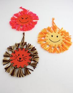 Yarn crafts for kids - Crafts - Yarn crafts - Summer crafts - Hat crafts - Craft activities fo - Fall Crafts For Kids Yarn Crafts For Kids, Easy Fall Crafts, Hat Crafts, Craft Activities For Kids, Summer Crafts, Preschool Crafts, Projects For Kids, Craft Projects, Arts And Crafts