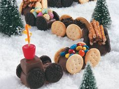 Candy Train! Awe!! Going to have to make this around the Holidays :)