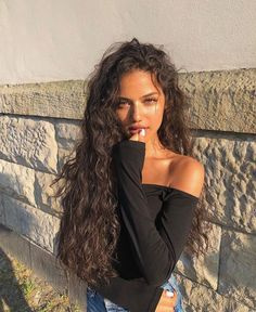 70 Most Gorgeous Natural Long Curly Hairstyles for Lady Girls Page 11 of 67 Women Hairstyles Hair Inspo, Hair Inspiration, Curly Hair Styles, Natural Hair Styles, Curly Hair Girls, Hair Styles Long Curly, Curly Wavy Hair, Natural Curly Hair, Curly Hair Model