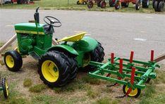 John Deere Garden Tractors, Yard Tractors, Small Tractors, Compact Tractors, Small Garden Tractor, Garden Tractor Pulling, Wheel Horse Tractor, Garden Tractor Attachments, Homemade Machine
