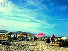 Chillin' on the beach @ Florianopolis 'the magic island' in the state of Santa Catarina Brazil  #LucalBeach #Beachlife #BeautifulBeach #PraiaLinda #Ocean #Waves #Explore #Nature #Wanderlust #Paradise #Travel #Travelphotography #BlueSky #BeautifulView #Holiday #Summer #Vacation #Reef #Clouds #Cloudporn #Skyporn #Sky #Floripa #Florianopolis #SantaCatarina #Brazil #Brasil #BarrigaVerde
