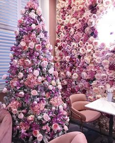 50 Lovely Pink Christmas Tree Ideas That'll Give Your Home A Girly Vibe Pink Christmas Tree, London Christmas, Beautiful Christmas Trees, Xmas Tree, Christmas Themes, All Things Christmas, Christmas Tree Decorations, Christmas Fun, Holiday Fun