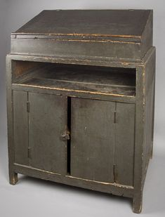 Colonial/Primitive/Furniture.