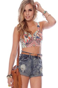 High-wasted shorts. Perfect for summer festivals! | concerttickets.com #festivalfashion