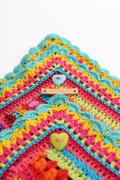 Crochet blanket By Ingrid de Vries Love the navy, aqua and lime together. Nice selection of stitches too. Crochet Boarders, Crochet Blanket Edging, Crochet Squares, Crochet Granny, Crochet Motif, Crochet Stitches, Crochet Patterns, Crochet Blankets, Granny Squares