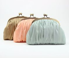 Bridesmaid Gift Idea / Set of Bridesmaid Clutches