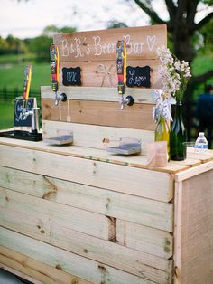 Craft beer is having a major moment! Incorporate it into your wedding in the coolest way possible--with a self-serving craft beer station!